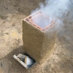 Rocket stove barbecue - Premier feu